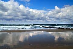 Belle côte de mer baltique image stock