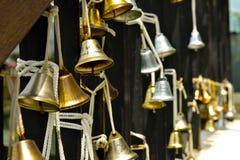 Belle campane di natale dorate antiquate Fotografia Stock Libera da Diritti