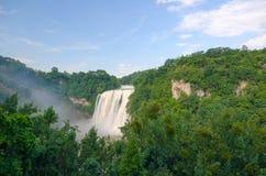 Belle cascade à Guiyang photo stock