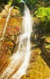Belle cascade à écriture ligne par ligne Photos stock