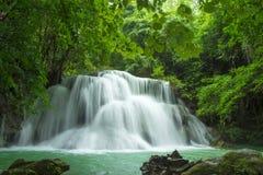 Belle cascade à écriture ligne par ligne en Thaïlande Images libres de droits