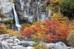 Belle cascade d'EL Chorillo au parc national de visibilité directe Glaciares photos stock