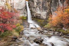 Belle cascade d'EL Chorillo au parc national de visibilité directe Glaciares image stock