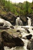 Belle cascade de montagne Image stock