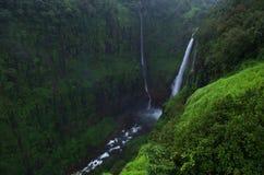Belle cascade de Thoseghar au village indien Satara Photo stock