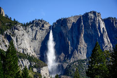Belle cascade de Yosemite Photo stock
