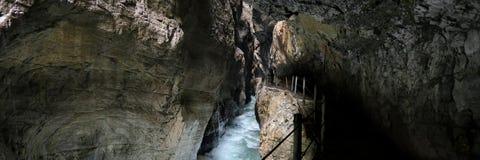 Belle cascate nella gola di Partnach, Germania immagini stock libere da diritti