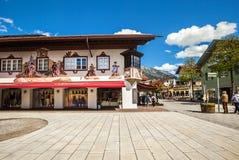 Belle case a Garmisch-Partenkirchen in Germania Fotografia Stock
