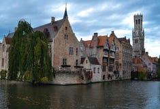 Belle case sull'acqua Immagini Stock