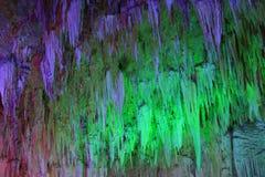 Belle caverne souterraine magique image libre de droits
