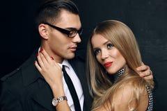 Belle coppie calorose sensuali storia di amore dell'ufficio Fotografia Stock Libera da Diritti