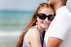 belle coppie che abbracciano ritratto Immagine Stock