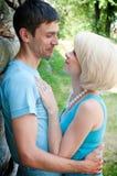 Belle coppie nell'amore. Fotografia Stock