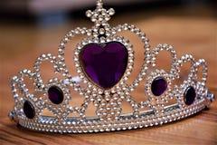 Belle couronne argentée avec le diamant Image stock