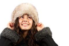 Belle dame dans la couche et le chapeau de l'hiver Images stock