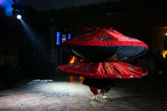 Belle danse vers l'est danse égyptienne nationale Tanura Photographie stock