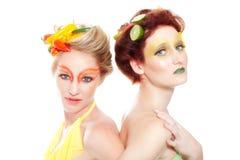 Belle donne che pensano verde Fotografie Stock Libere da Diritti