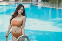Belle donne di Asain con il bikini immagine stock