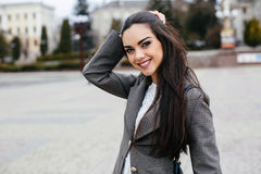 Belle donne su una via Fotografie Stock