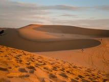 Belle dune di sabbia arancio fotografia stock libera da diritti
