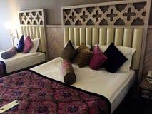 Belle et confortable chambre d'hôtel photos stock