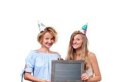 Belle fête d'anniversaire heureuse de célébration de girsl photos stock
