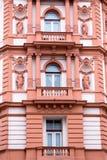 Belle façade de la vieille maison Fragment, détails Prague, République Tchèque photographie stock libre de droits