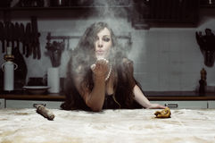 Belle farine de jet d'hôtesse photo libre de droits
