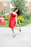Belle femme, achats d'été Photographie stock libre de droits