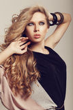 Longs cheveux onduleux Image stock