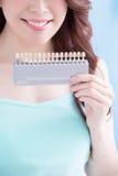 Belle femme avec des dents de santé Images libres de droits