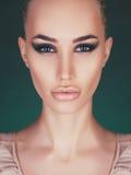Belle femme avec le maquillage parfait Photographie stock