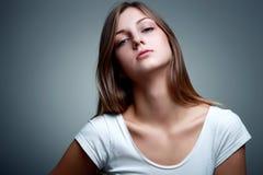 Belle femme blonde avec le regard à la mode Images libres de droits