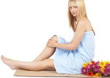 belle femme blonde de verticale Photo libre de droits