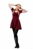 Belle femme blonde posant dans le studio Image stock
