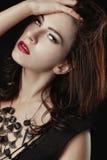Belle femme caucasienne posant pour des portraits Image libre de droits