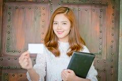 Belle femme d'affaires avec le sourire, Photographie stock libre de droits