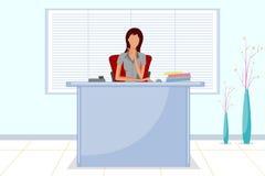 Belle femme d'entreprise s'asseyant dans la réception de bureau Images stock