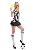 Belle femme dans des vêtements d'arbitre du football Photos stock