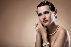 Belle femme dans l'image de cru Photos stock