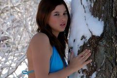 Belle femme dans le maillot de bain dans la neige 3 photos stock