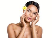 Belle femme de Balinese avec la peau parfaite Photo stock