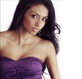 Belle femme de Latina avec de longs cheveux photographie stock libre de droits