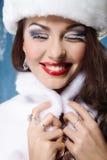 Belle femme de sourire d'hiver Photos stock