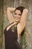 Belle femme de sourire de brunette Images libres de droits