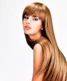 Belle femme indienne avec les cheveux bruns longtemps droits Images stock