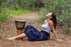 Belle femme à l'extérieur (10) Images libres de droits