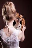 Belle femme magnifique dans le style de victorian image libre de droits