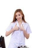 Belle femme montrant à signe la science correcte de laboratoire Image stock
