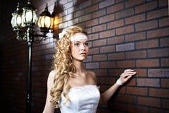 Belle femme près de lanterne Images stock
